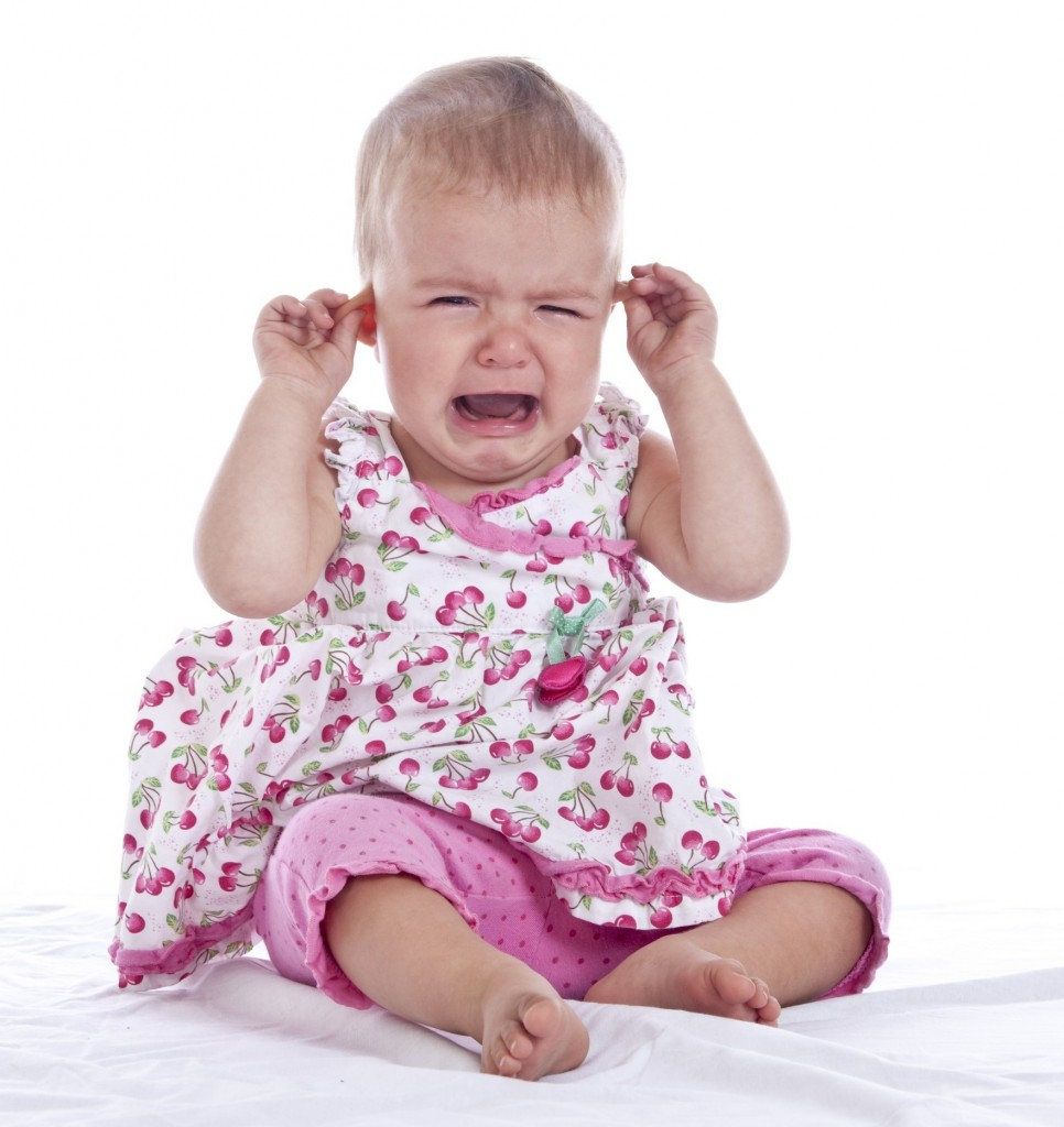 baby-with-ear-ache
