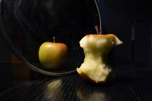 Two apples/distorted image/eating disorders