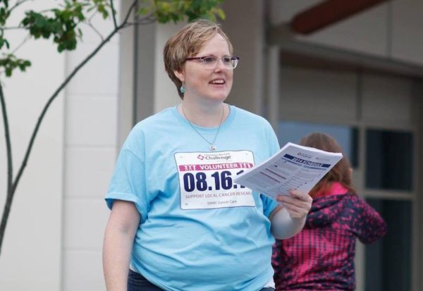 Dawn volunteering at 5K race 2014/LEMS/autoimmune disease