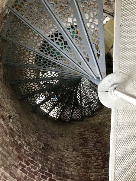 The circular staircase in the square tower