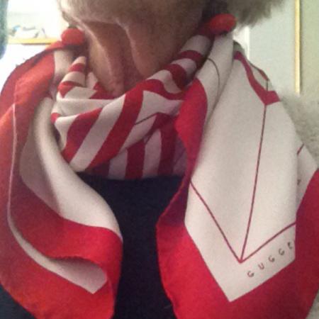 Guggenheim scarf
